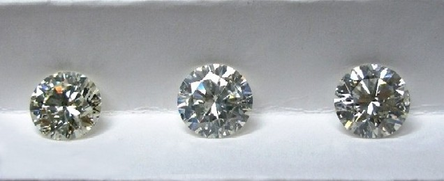 compare 3 round diamonds